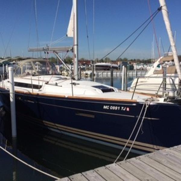 Jeanneau 409 Dockside