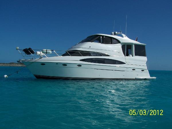 Carver 506 Motor Yacht On the Hook/ Bahamas