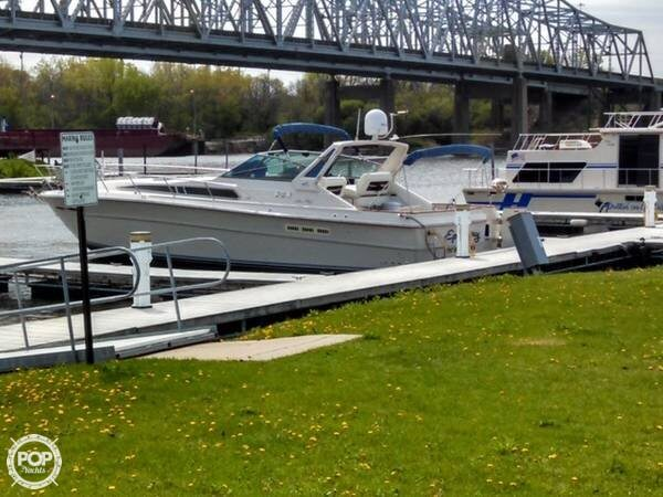 Sea Ray 390 Express Cruiser 1987 Sea Ray 390 EC for sale in Channahon, IL