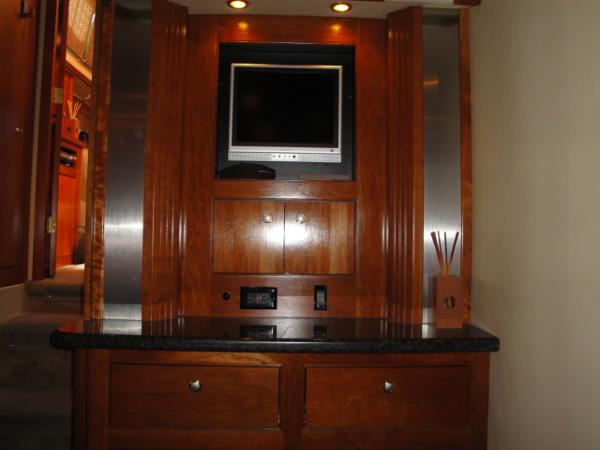 TV - OWNERS STATEROOM