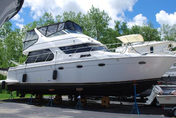 Carver 450 Voyager Pilothouse Starboard_ on the hard
