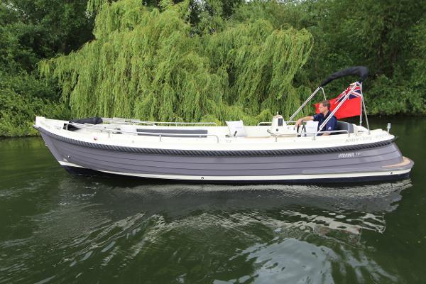Interboat Intender 770 Xtra Interboat Intender 770 Xtra