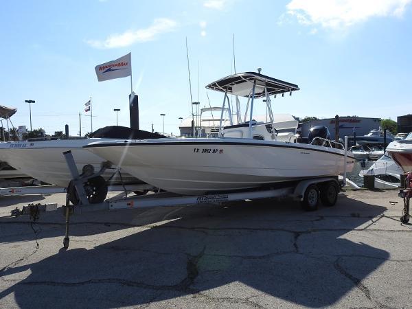 Boston Whaler 230 DA