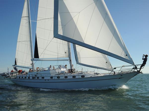 Emerald Horizon 70 AYC Yachtbroker - Horizon 70