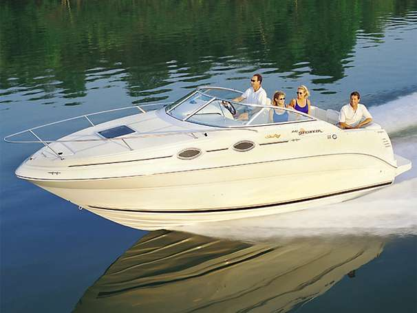 Sea Ray 240 Sundancer Manufacturer Provided Image