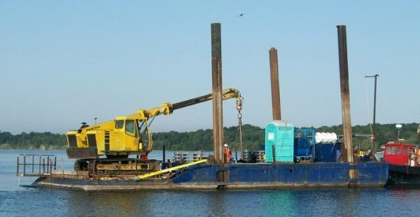 Commercial 60 x 26 x 4 Spud Barge