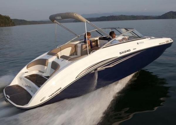 Yamaha Sport Boat SX240 HO