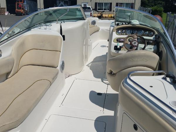 Sea Ray 240 Sundeck, great value