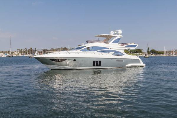 Azimut 60 Flybridge Port View