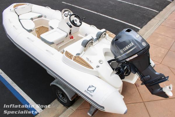 Zodiac Yachtline 440
