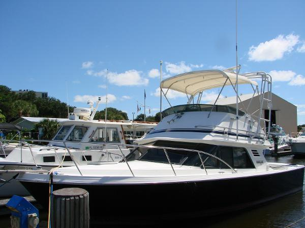 Blackfin Flybridge Volvo Repower 82hrs