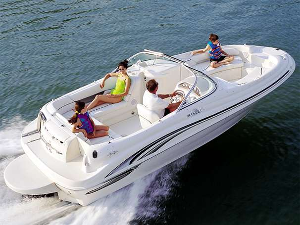 Sea Ray 210 Sundeck Manufacturer Provided Image