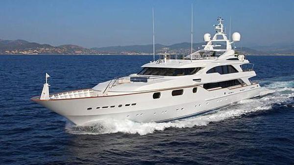 Benetti 50 m Actual Boat at sea - Benetti 50m