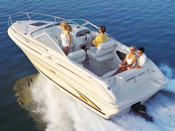 Sea Ray 215 Express Cruiser Manufacturer Provided Image