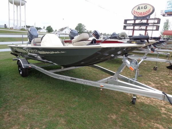 Xpress Boats XP7 Crappie