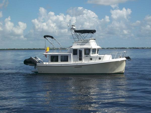 American Tug 34 Rare Flybridge Model Far Horizons
