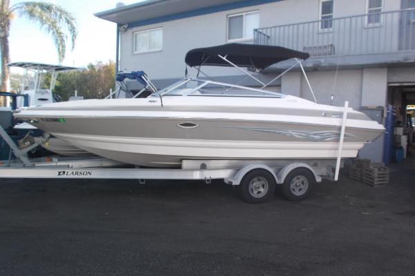 Larson 248 LXI Luxury Sport Bowrider