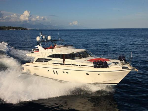 Guy Couach 2200 Fly AYC Yachtbroker - Guy Couach 2200