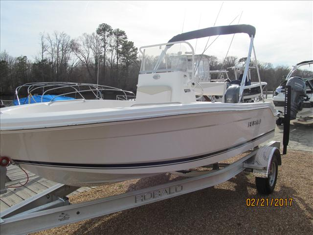 Robalo R160 Upgraded 18 gal fuel tank and 70 Hp