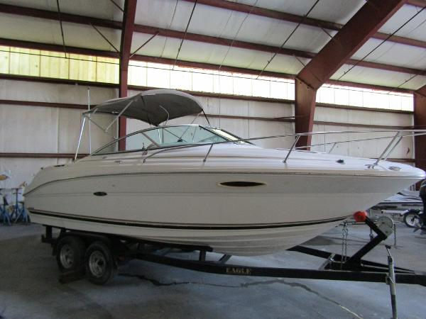 Sea Ray 225 Weekender Exterior Profile 1
