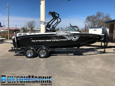 Correct Craft Super Air Nautique 210 Team Edition