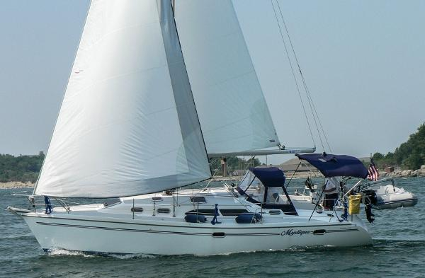 Catalina 350 (Sistership Hull #396)