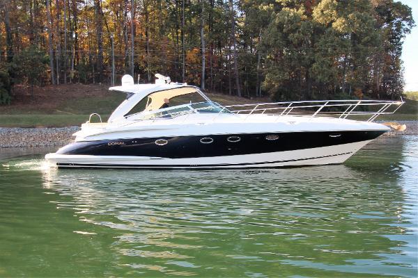 Doral 45 Alegra Starboard profile