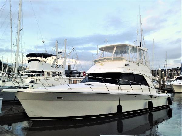 Riviera 43 Bow profile - 43 Riviera