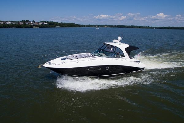 Sea Ray 350 Sundancer Port profile