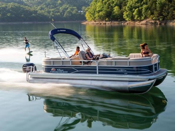 Sun Tracker PARTY BARGE® 22 RF XP3