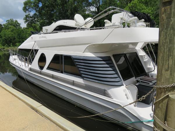 Bluewater 5200 Custom Series