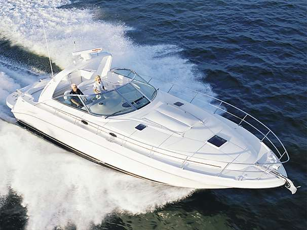 Sea Ray 410 Sundancer Manufacturer Provided Image