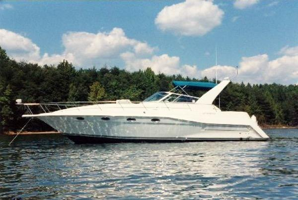 Cruisers Yachts 3775 Esprit