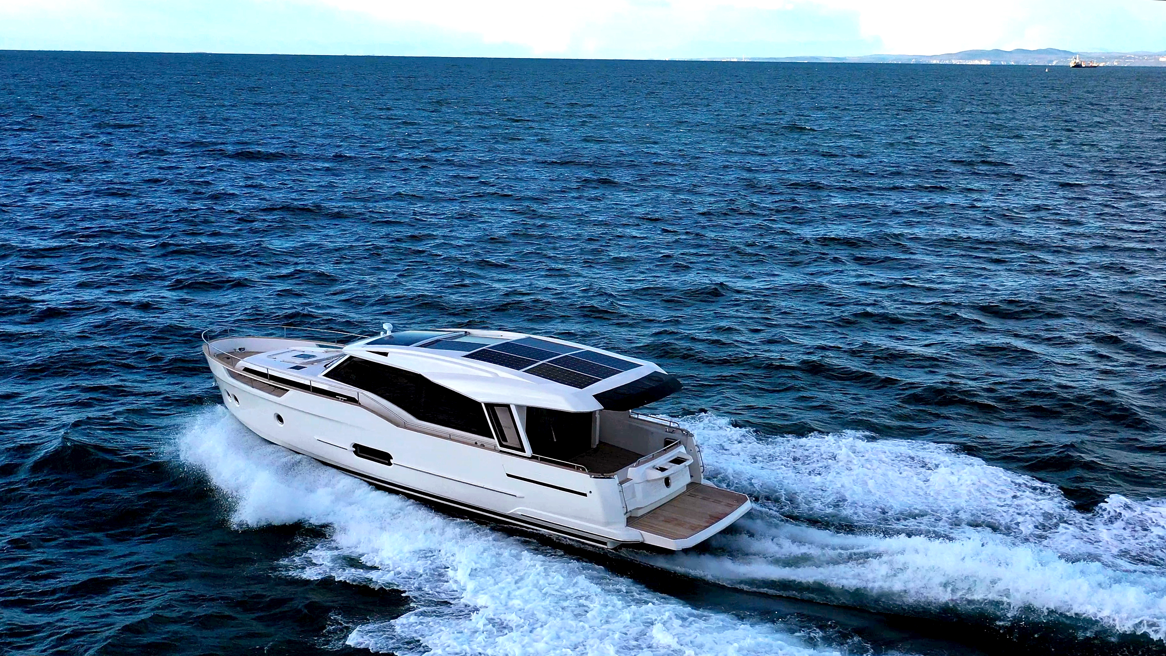 Greenline 48 Coupe Hybrid