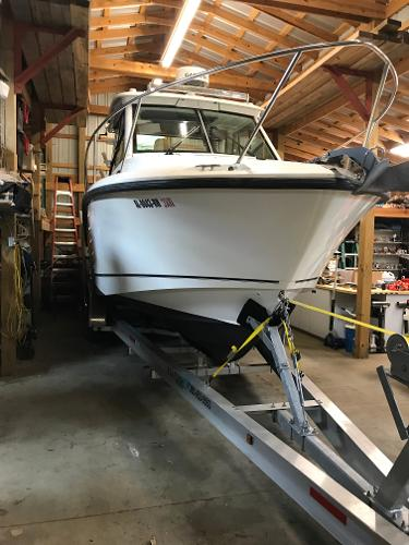 Boston Whaler 285 Conquest Starboard Bow