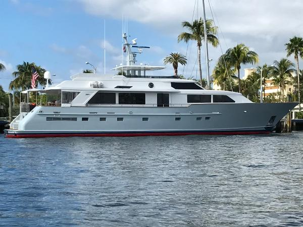 Burger Raised Pilothouse SEA BOUND