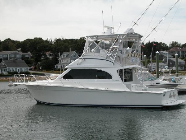 Egg Harbor 37 Convertible