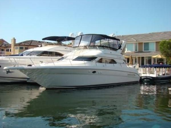 Sea Ray 450 Express Bridge Sistership Profile Photo