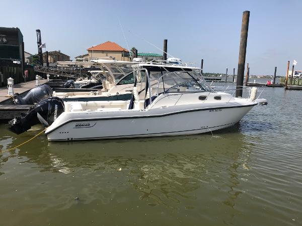 Boston Whaler 305 Conquest