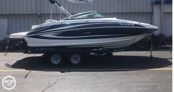 Sea Ray 220 Sundeck 2013 Sea Ray 22 for sale in Petersburg, IL