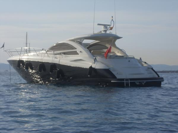 Sunseeker Portofino 53 similar vessel