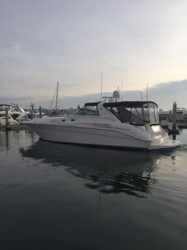 Sea Ray 450 Sundancer Breakin Rules