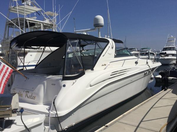 Sea Ray 450 Sundancer At the Dock