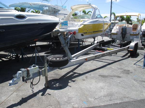 Magic Tilt Trailer 25-27 Tandem