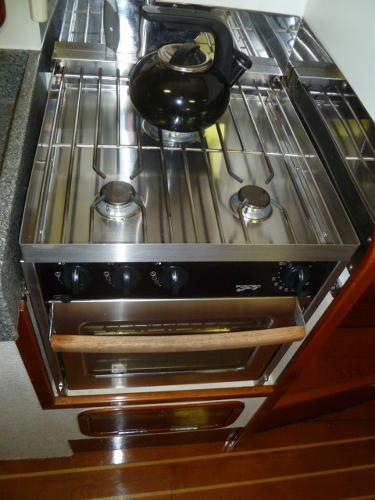 Force 10 Propane Stove & Oven