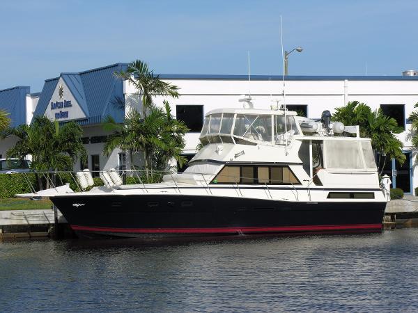 Viking Motor Yacht Flybridge Profile