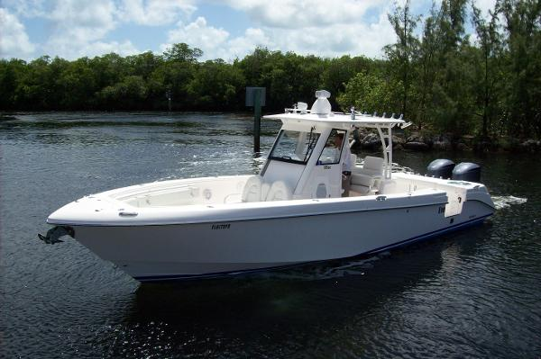 Everglades Boats 325 Center Console Port View