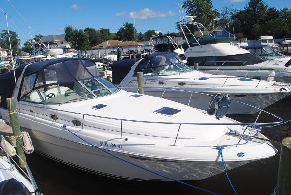 Sea Ray 340 Sundancer Starboard
