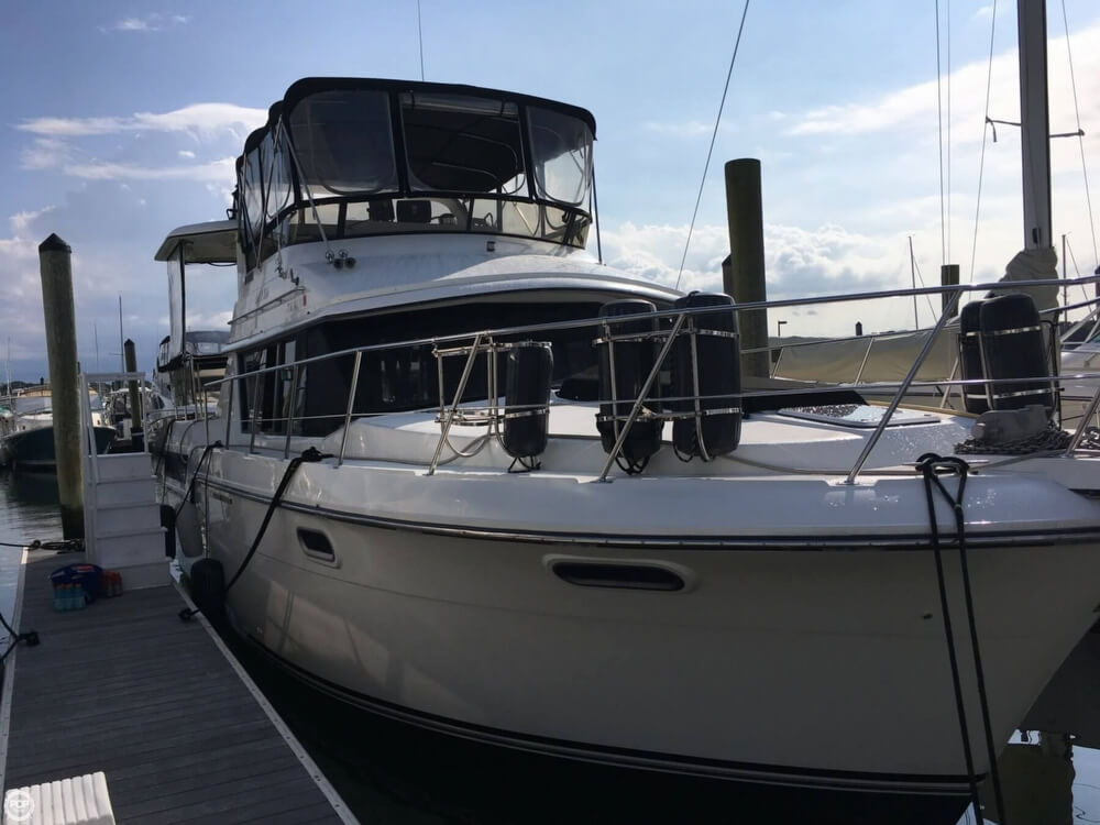 Carver 3807 Aft Cabin Motoryacht 1988 Carver 3807 AC for sale in Branford, CT