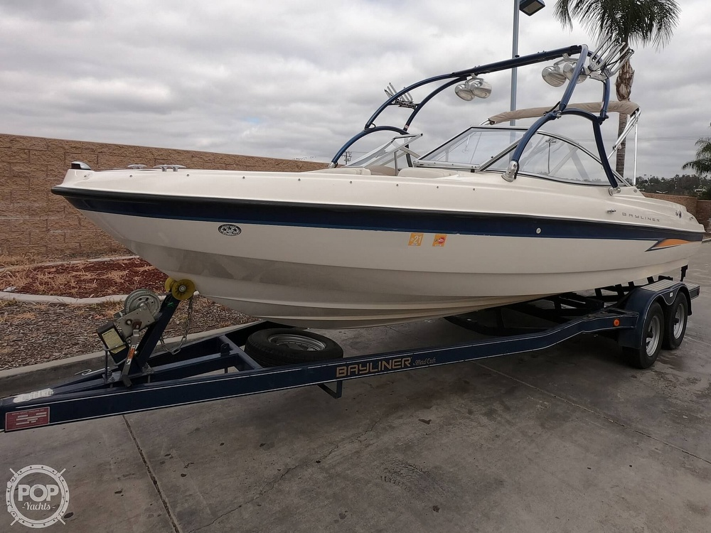 Bayliner 225 2004 Bayliner 225 for sale in Corona, CA